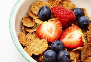 thinkstock_rf_photo_of_cereal_and_berries